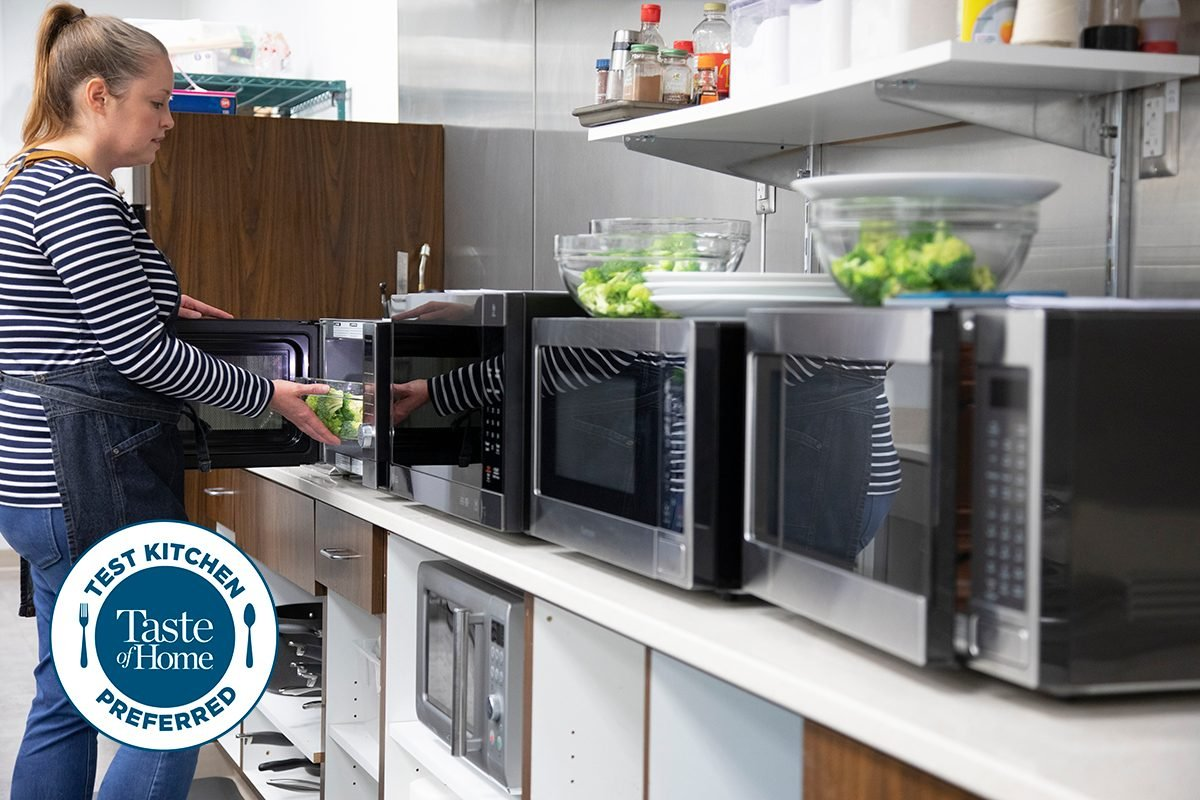 Test kitchen preferred the best microwaves