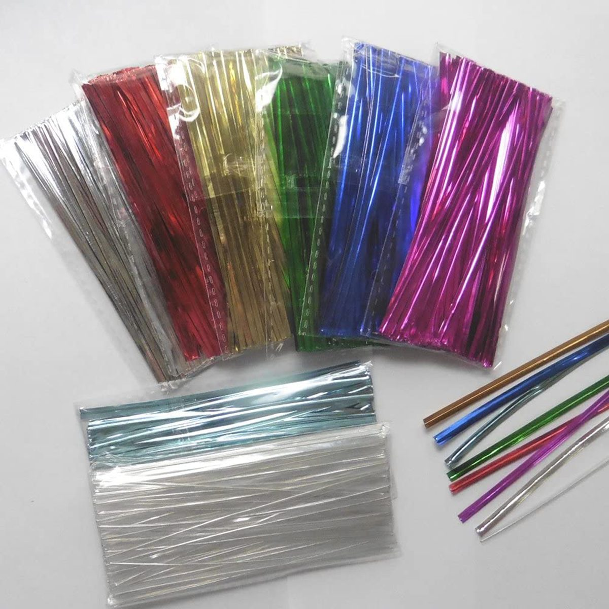 """Weststone Brand - 800pcs 4"""" Metallic Twist Ties, red, blue, green, gold, silver, clear and pink"""