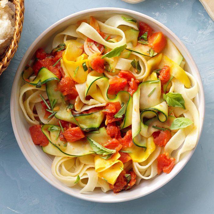 Summer Zucchini Pasta Exps Thjj21 259692 B02 11 10b 59