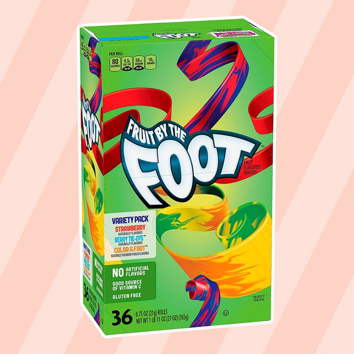 Betty Crocker Fruit Snacks Fruit By The Foot Strawberry/Berry Tie-Dye/Color By The Foot, 27 Oz, 36Count