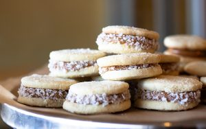 How to Make Authentic Alfajores