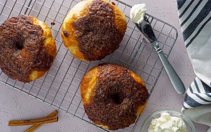 Bake Cinnamon Crunch Bagels Panera 041921 Toh 16