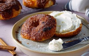 How to Make a Perfect Panera Cinnamon Crunch Bagel at Home
