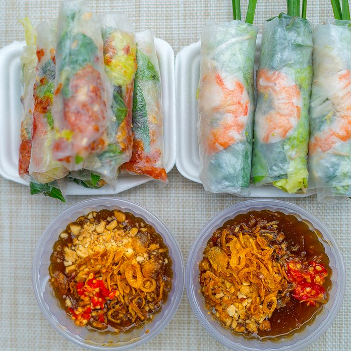 vietnamese recipes Vietnamese Snack Prawn Summer Roll And Dipping Sauce
