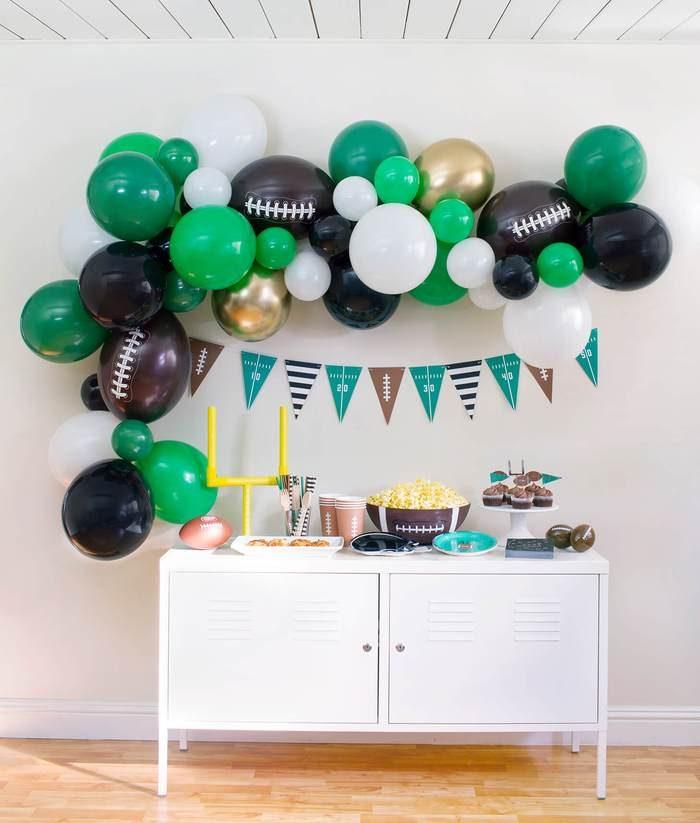 Football Birthday Party Ideas Momo Box Football 700x