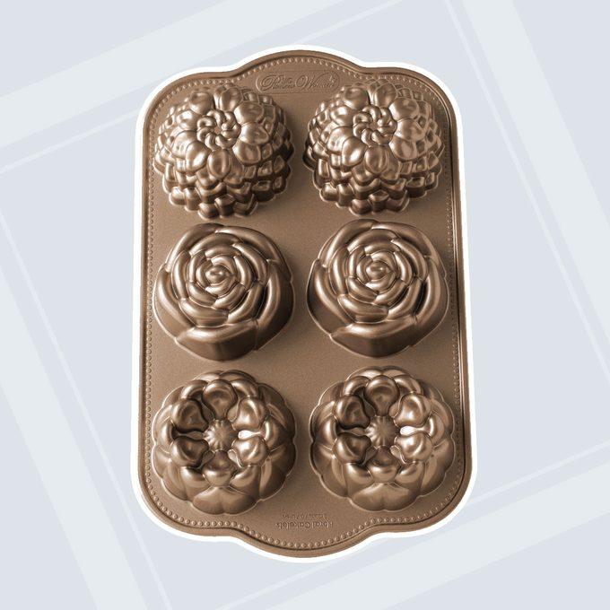 Pioneer Woman Metal Bakeware The Pioneer Woman Floral Nonstick Cast Cakelet Pan