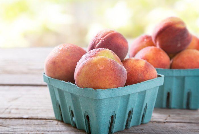 quart of ripe peaches