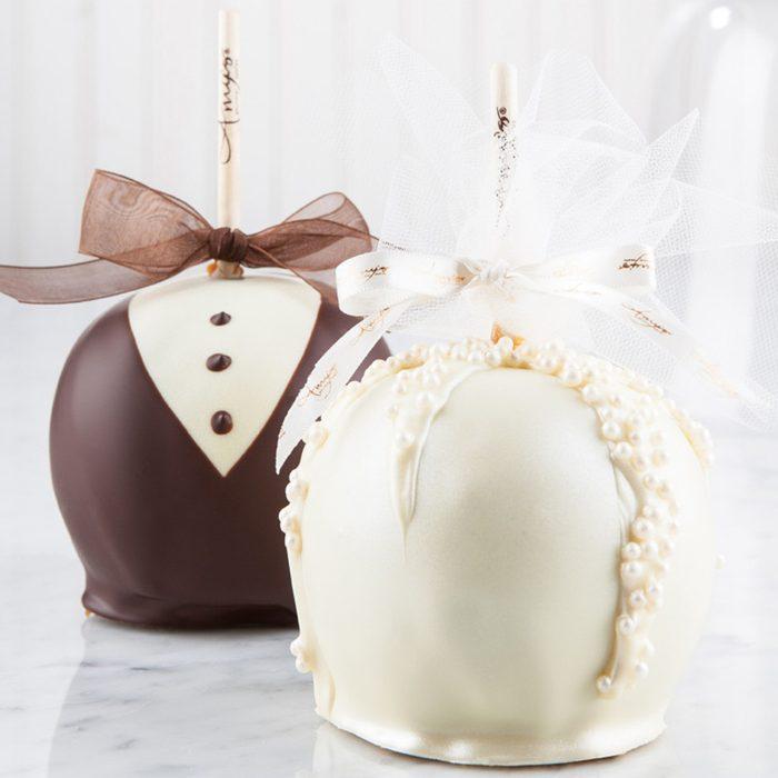 bridal shower gifts Wedding Caramel Apples:bride Groom Wedding Caramel Apples