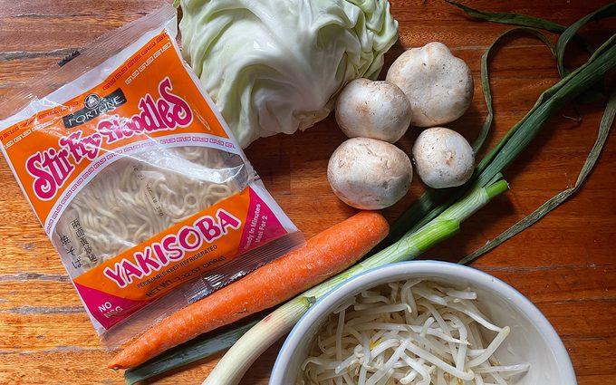 Yakisoba Ingredients chicken yakisoba recipe