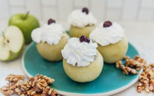 How to Make Poached Apples Stuffed with Walnuts (Tufahije)
