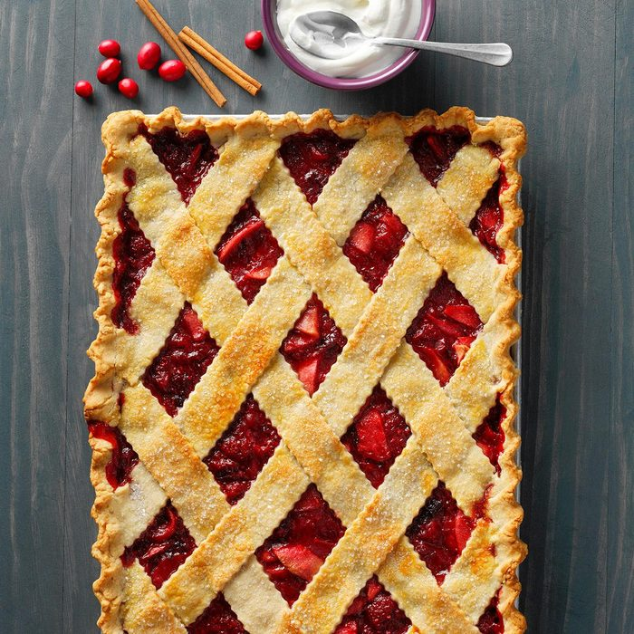 Cranberry Apple Sheet Pie Exps Thon21 264456 B06 18 8bv2